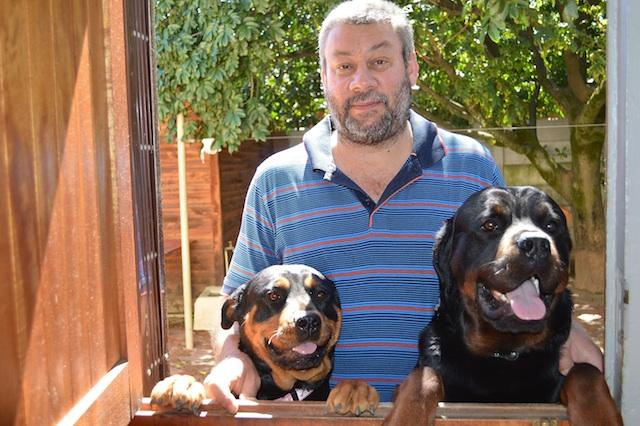 Andre en twee van sy drie pragtige Rottweiler honde